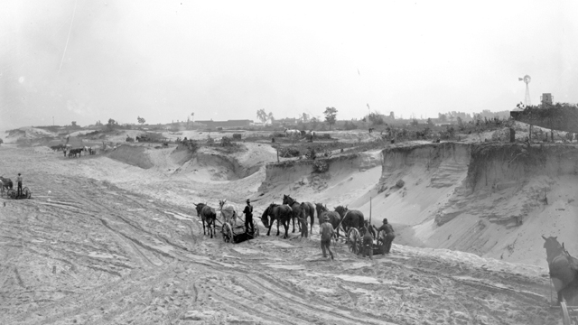 The excavation of the Dunes in 1906.