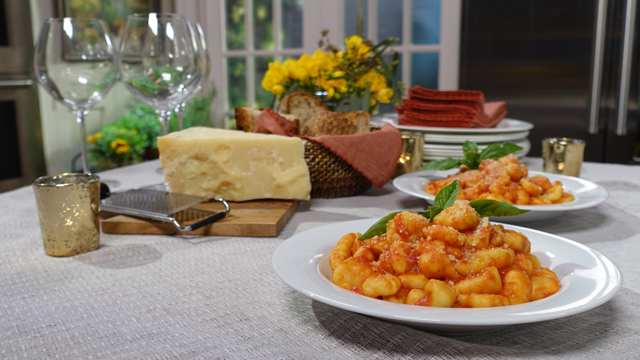 Lidia shares delicious Italian recipes for weekday dinners or summer parties